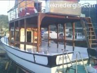 Kuşadası'nda SAtılık Gezi Teknesi