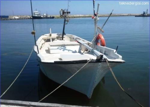 Ruhsatlı Balıkçı Teknesi