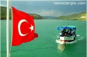 Teknede Bayrak Tasima