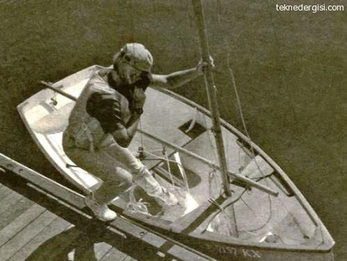 dingi tekneye binmek